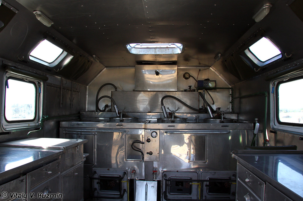 Самая важная и незаменимая техника - кухня автомобильная ПАК-200М (The most important vehicle - field kitchen PAK-200M)