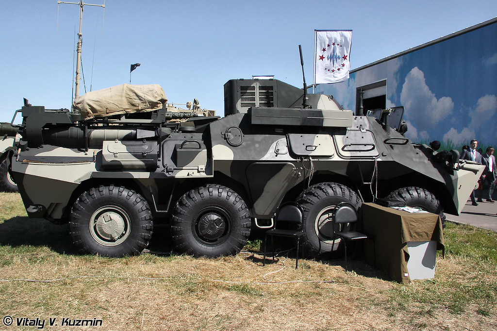 Командно-штабная машина Р-149БМР (Command vehicle R-149BMR)