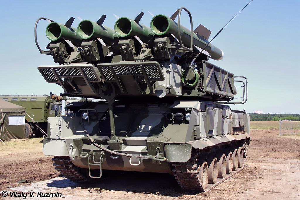 Пуско-заряжающая установка 9А39М1 ЗРК Бук-М1-2 (9A39M1 launcher-loader vehicle for Buk-M1-2 Air defence system)