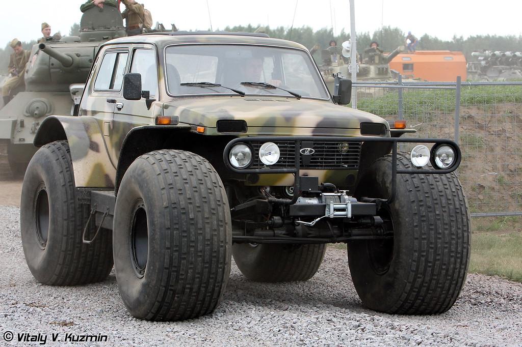 Внедорожное транспортное средство-снегоболотоход МАРШ-1 также произведен компанией Бронто (All-terrain vehicle MARSH-1 also from Bronto company)