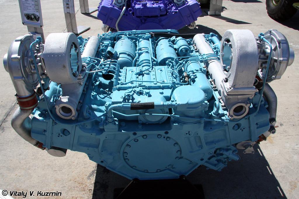 Дизельный двигатель УТД-32Т для модернизации БМП-3 (Diesel engine UTD-32T for BMP-3 modernization)