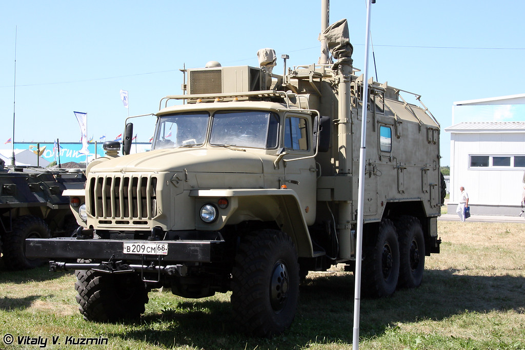 Автоматизированная станция помех УКВ-радиосвязи Р-330Т (R-330T jamming vehicle)