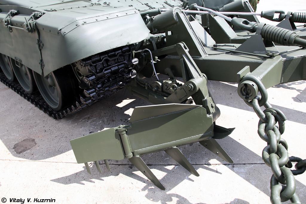 Бронированная машина разминирования БМР-3М (Armored mine-clearing vehicle BMR-3M)