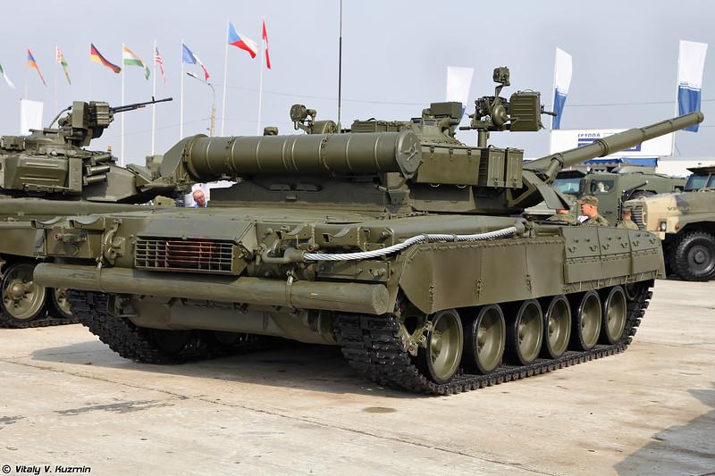 Т-80У (T-80U main battle tank)
