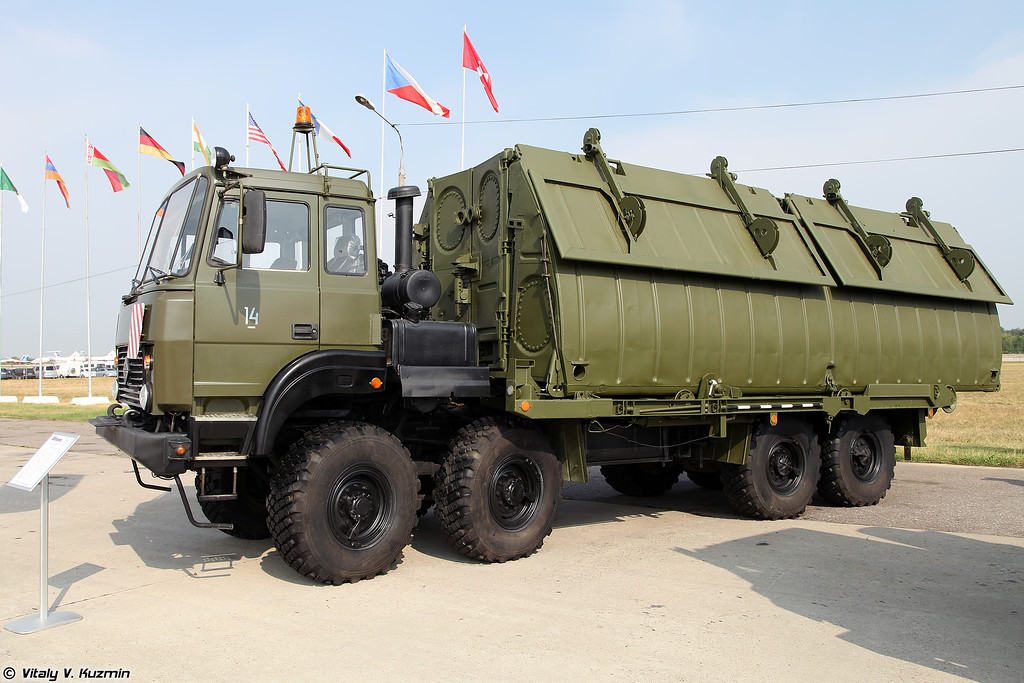 Автомобиль понтонный с речным звеном Урал-532361-1010 (Ural-532361-1010 bridge-layer)