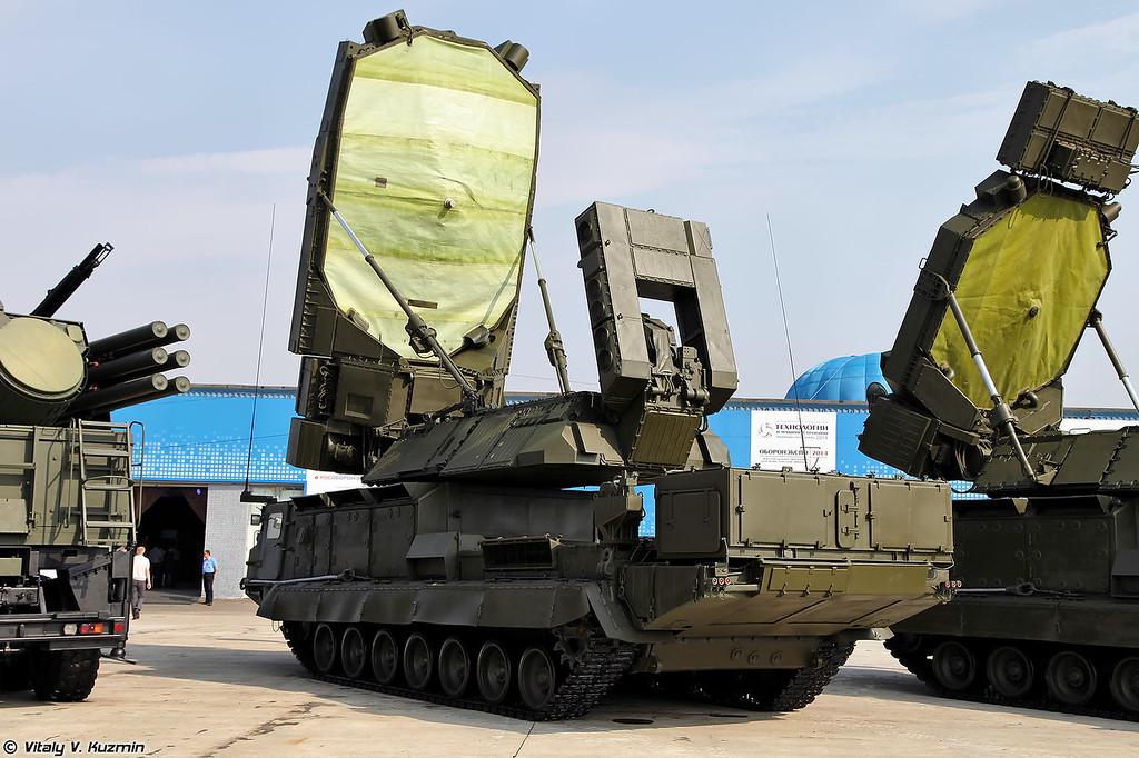 РЛС 9С19М2 Имбирь из состава ЗРС С-300В (9S19M2 Imbir acquisition radar from S-300V)