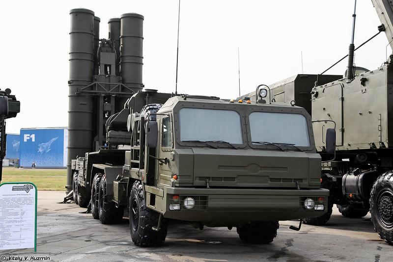 РПН 92Н2 и пусковая уставновка 5П85ТМ из состава ЗРС С-400 (92N2 radar and 5P85TM from S-400)