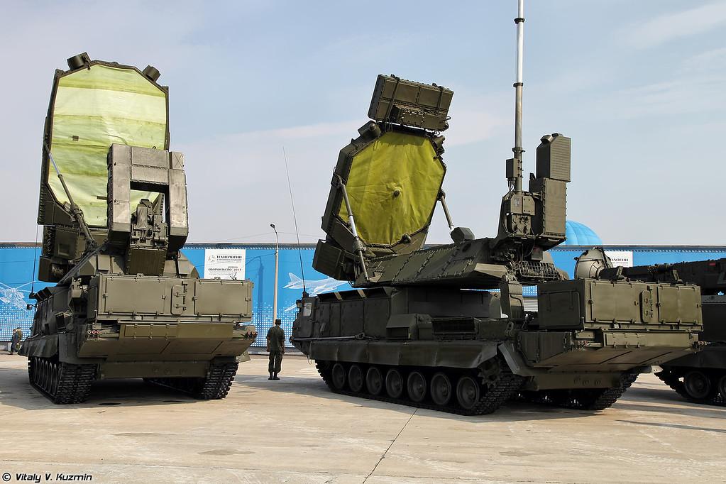 9С19М2 и 9С32 (9S19M2 and 9S32 radars)