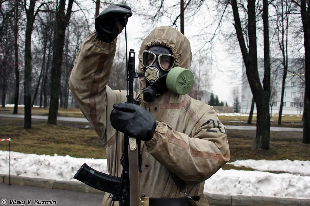 Занятия с ротой РХБ защиты (Exercises with CBRN Protection Company)