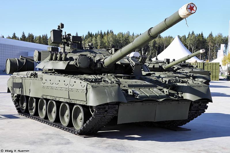Танк Т-80У (T-80U main battle tank)