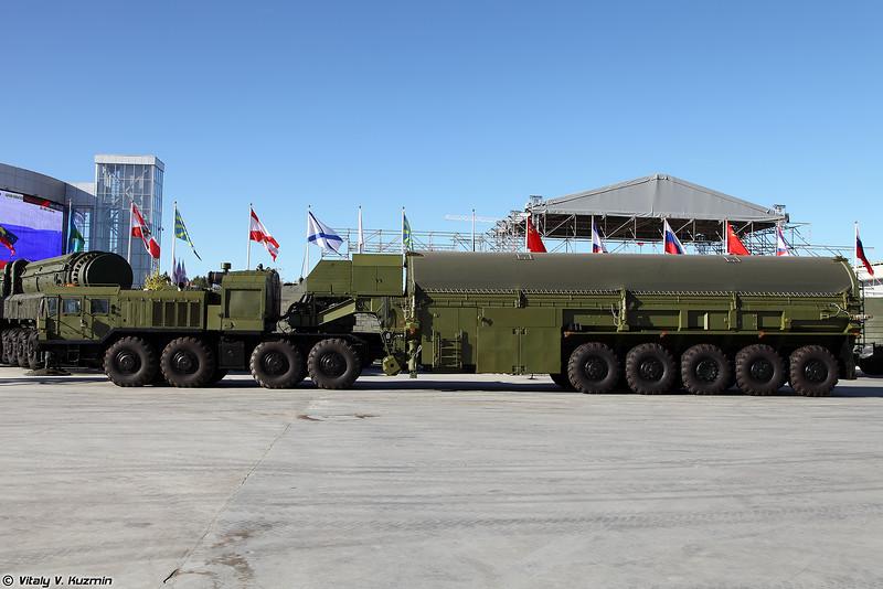 Транспортно-перегрузочный агрегат 3Ф30-9 из комплекса средств наземного обслуживания стратегического ракетного комплекса подводных лодок 3К30 Булава (3Ph30-9 transporter-loader for Bulava SLBM)