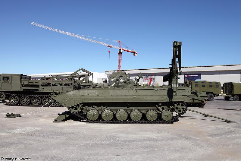 Бронированная ремонтно-эвакуационная машина БРЭМ-Ч (BREM-Ch armored recovery vehicle)