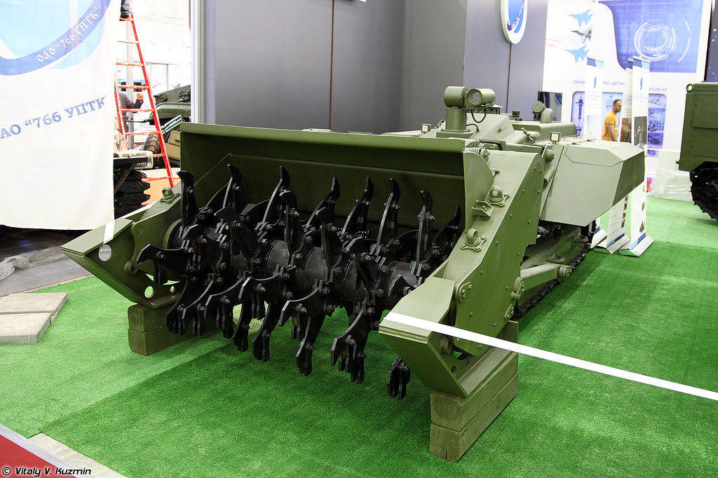 Робототехнический комплекс разминирования Уран-6 (Uran-6 EOD robot)