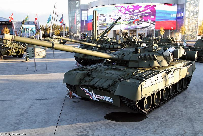 Танк Т-80УЕ-1 (T-80UE-1 main battle tank)