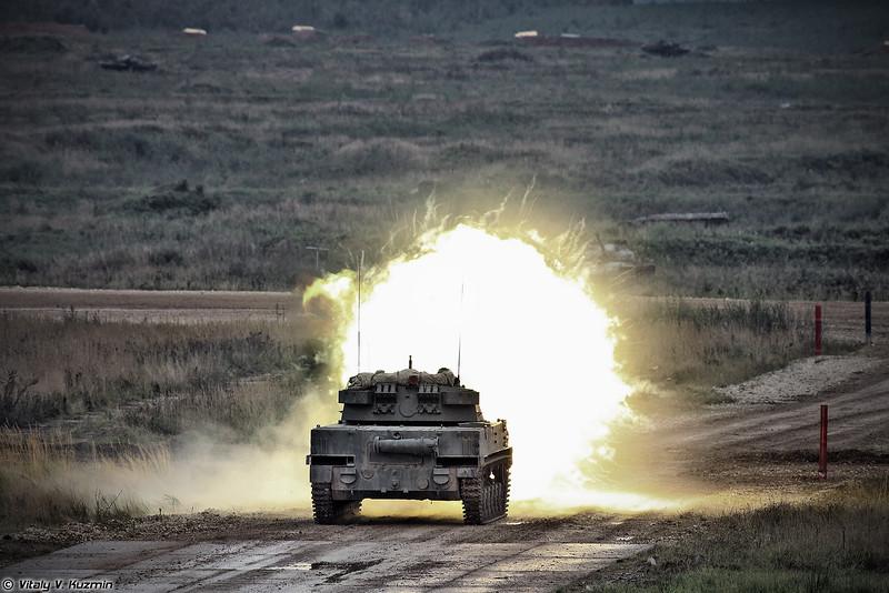 Стрельба 2С25 Спрут-СД (2S25 Sprut-SD firing)