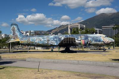 Fuerza Aerea Ecuatoriana Douglas DC-6B HC-AVI FAE 45063 (msn 45063) Quito (Rolf Wallner). Image: 947642.