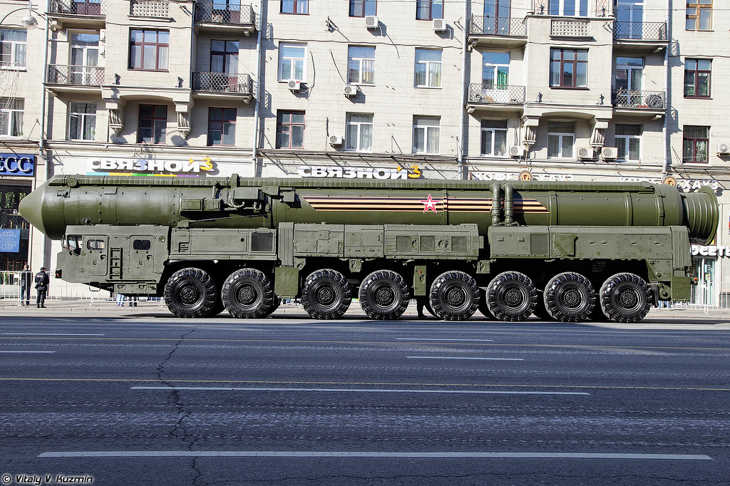 Пусковая установка 15У175М ПГРК 15П155М Ярс (15U175M TEL from RS-24 Yars ICBM)