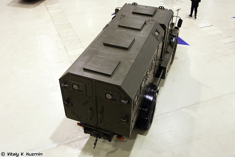 Взрывозащищенный бронированный спецавтомобиль Горец-К (Gorets-K MRAP vehicle)