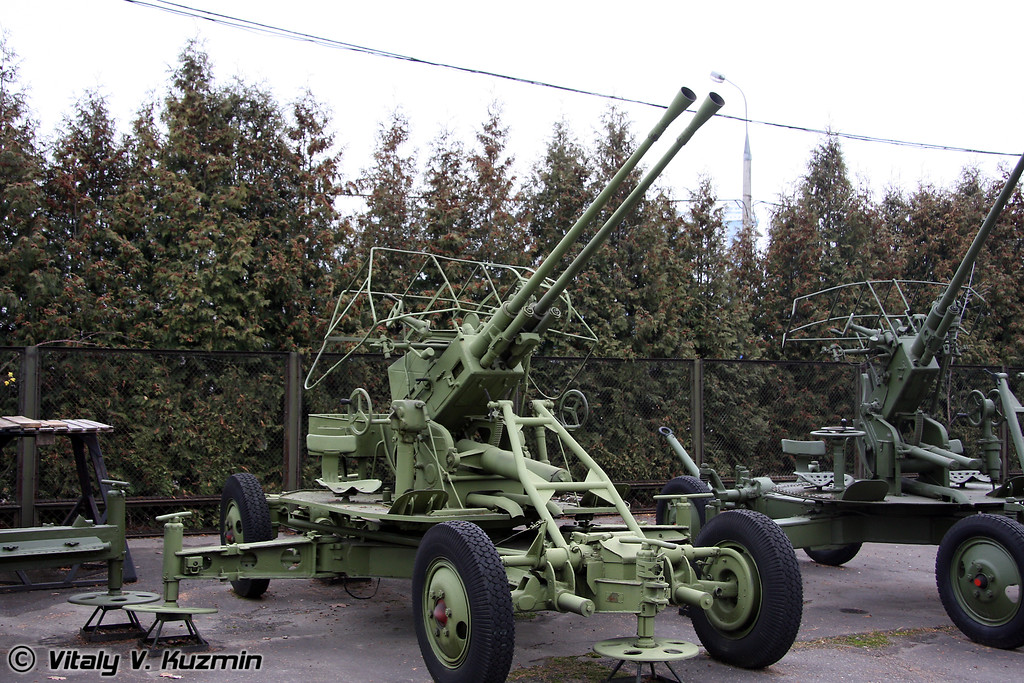 37мм зенитное орудие В-47 (37mm V-47 twin AT AA gun)