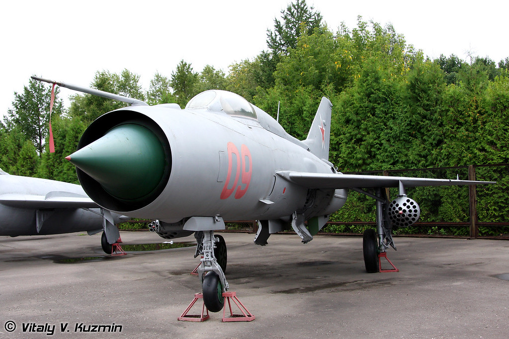 МиГ-21ПФС (MiG-21PFS)