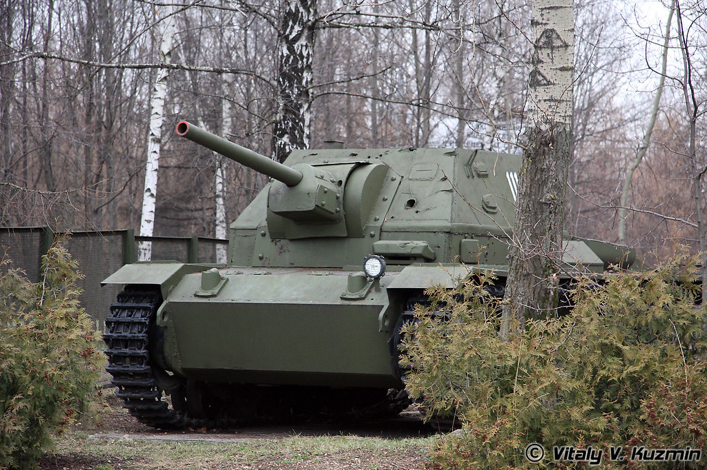 Самоходная артиллеристская установка СУ-76И (SU-76i self-propelled artillery mount)
