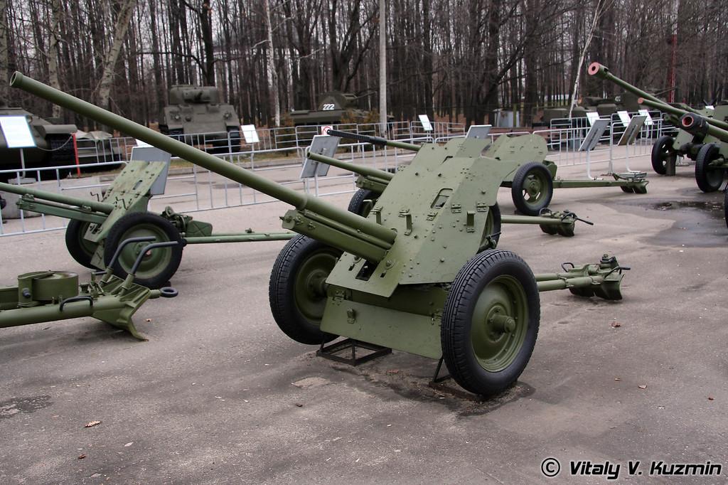 45мм противотанковая пушка М-42 (45mm M-42 antitank gun 1942 model)
