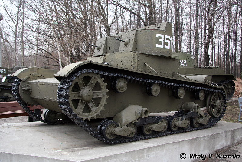 Двухбашенный легкий танк Т-26 (T-26 two-turret light tank)