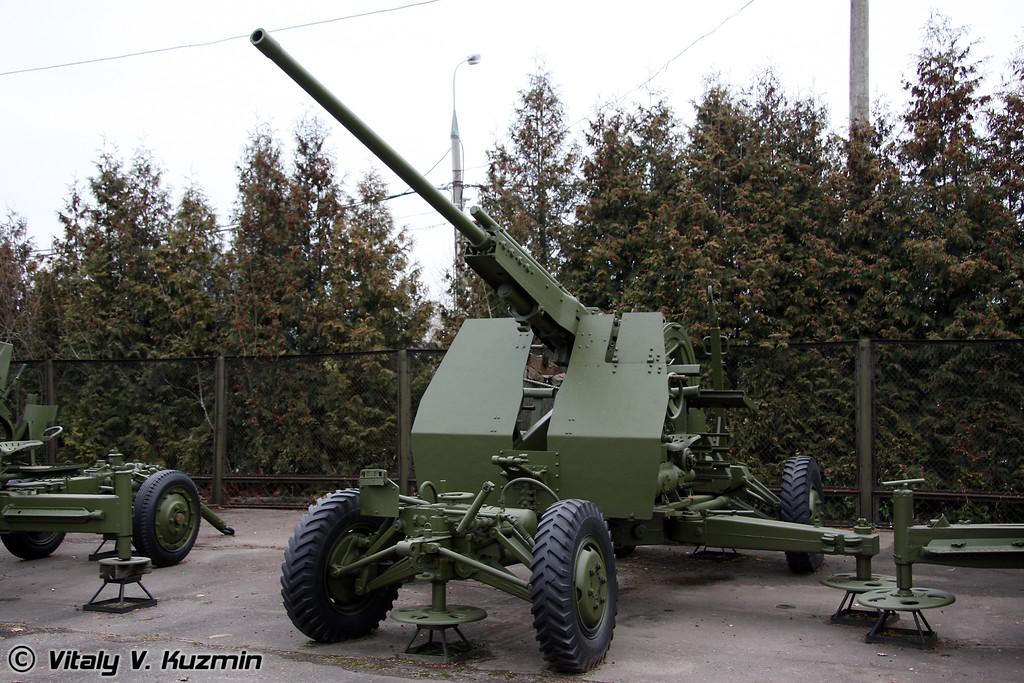 57мм зенитное орудие Р-10 (57mm R-10 AA gun)