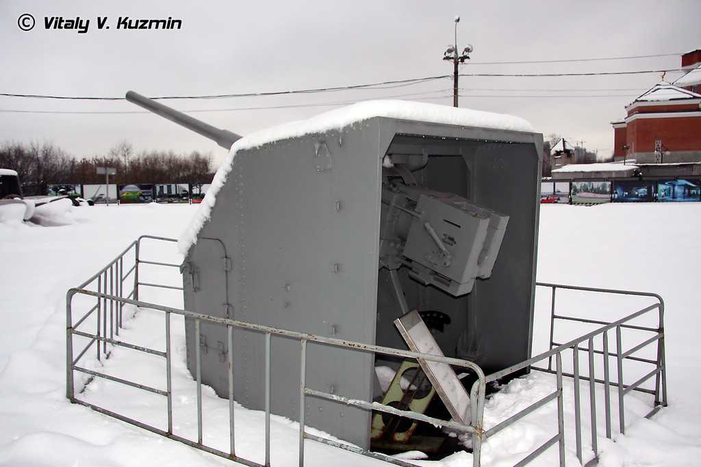 85-мм артиллерийская установка 90-К (85-mm 90-K artillery mount)