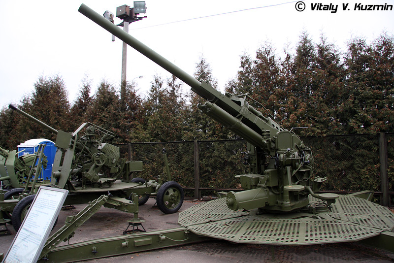 90мм зенитное орудие М1А1 (90mm M1A1 AA gun)