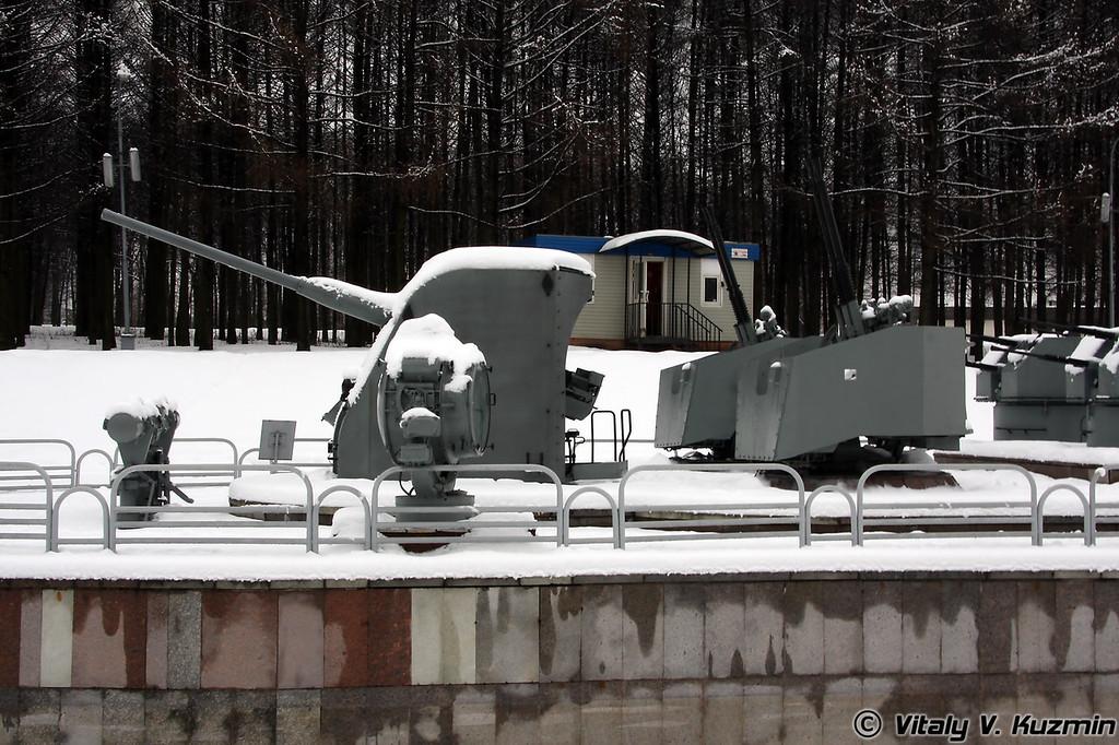100-мм артиллерийская установка Б-34-У-1 (100-mm B-34-U-1 artillery mount)