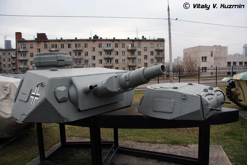 Башни танков Т-4 и Т-1 (T-IV and T-I tanks turrets)