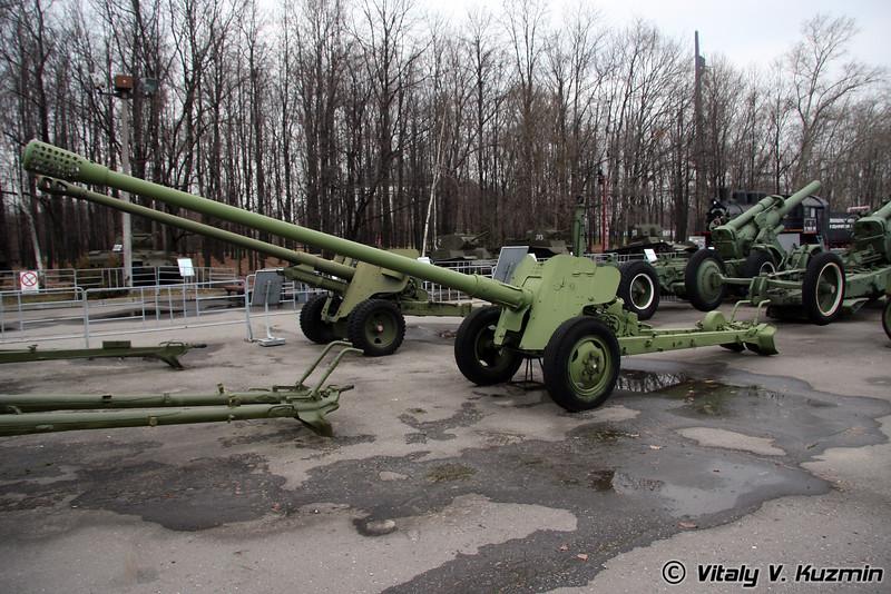 85мм пушка Д-48 (85mm D-48 antitank gun)