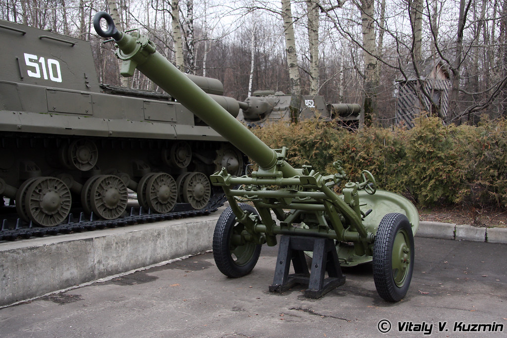 160мм дивизионный миномет МТ-13 (160mm MT-13 division mortar 1943 model)