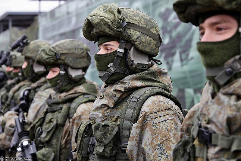 Комплект боевой экипировки Ратник в различных вариантах (Ratnik infantry combat system in various variants)