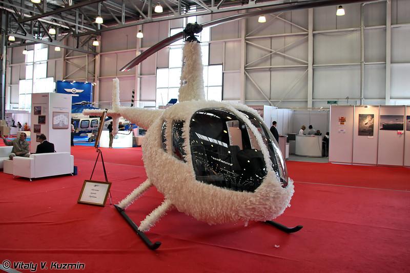 Концепт Robinson R44 с необычным оперением, модель называется WhiteEagle. (Robinson R44 concept with unusual feathering called WhiteEagle)