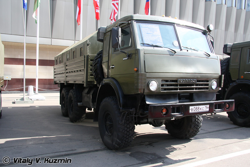 КАМАЗ-5350 с бронированным модулем (KAMAZ-5350 with armored compartment)