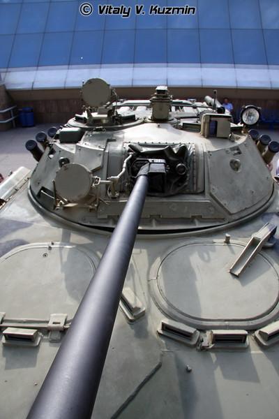 Бронетранспортер БТР-90 (BTR-90 armored personnel carrier)