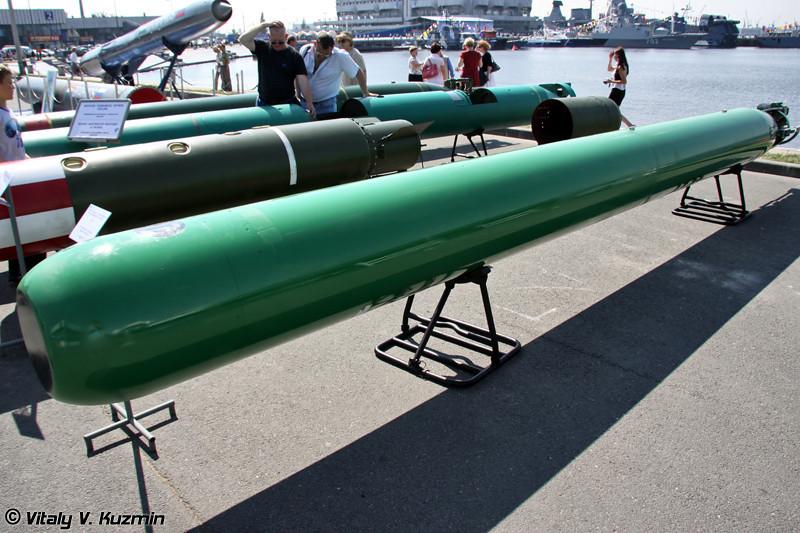 Универсальная глубоководная самонаводящаяся торпеда УГСТ (UGST torpedo)