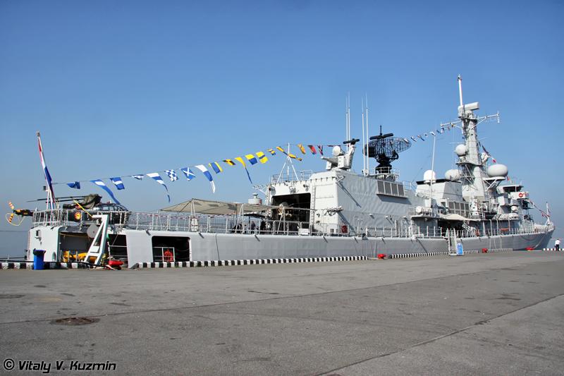 """Фрегат Королевских военно-морских сил Нидерландов """"Van Amstel"""" типа """"Karel Doorman"""" (""""Van Amstel"""" Royal Netherlands Navy Karel Doorman class frigate)"""