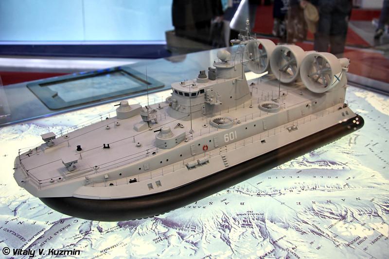 """Малый десантный корабль на воздушной подушке проекта 12322 """"Зубр"""" (Project 12322 """"Zubr"""" air-cushioned landing craft)"""