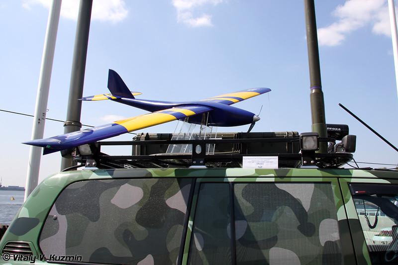 Малогабаритный БЛА самолетного типа мБЛА-С из состава комплекса Авис (Light UAV mBLA-S from Avis UAV complex)