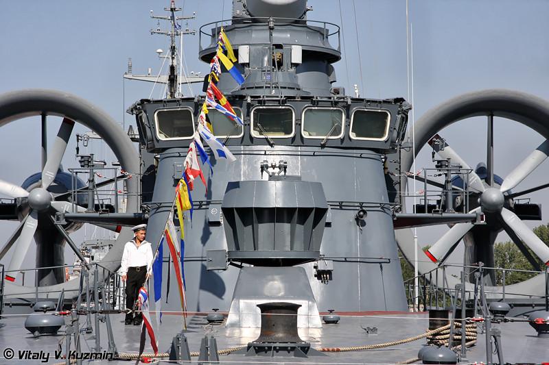 """Малый десантный корабль на воздушной подушке """"Мордовия"""" проекта 12322 """"Зубр"""" (""""Mordoviya"""" project 12322 Zubr class air-cushioned landing craft)"""