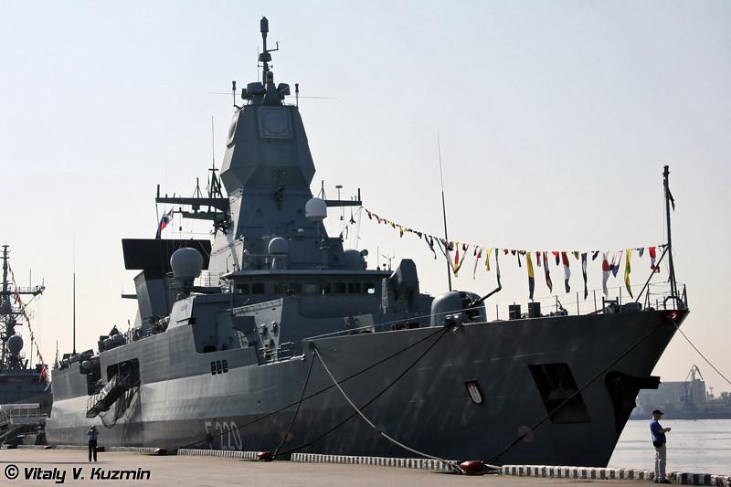 "Фрегат военно-морских сил Германии ""Hamburg"" типа ""Sachsen"" (""Hamburg"" German Navy Sachsen class frigate)"