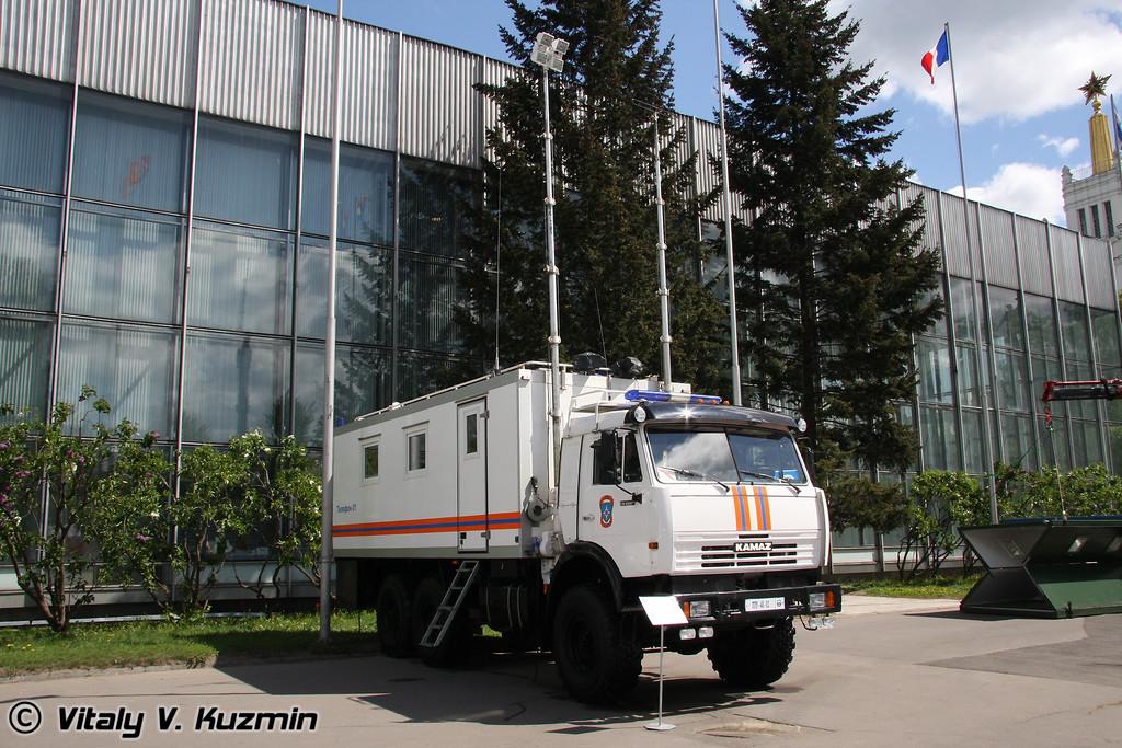 Пункт управления (EMERCOM command vehicle)