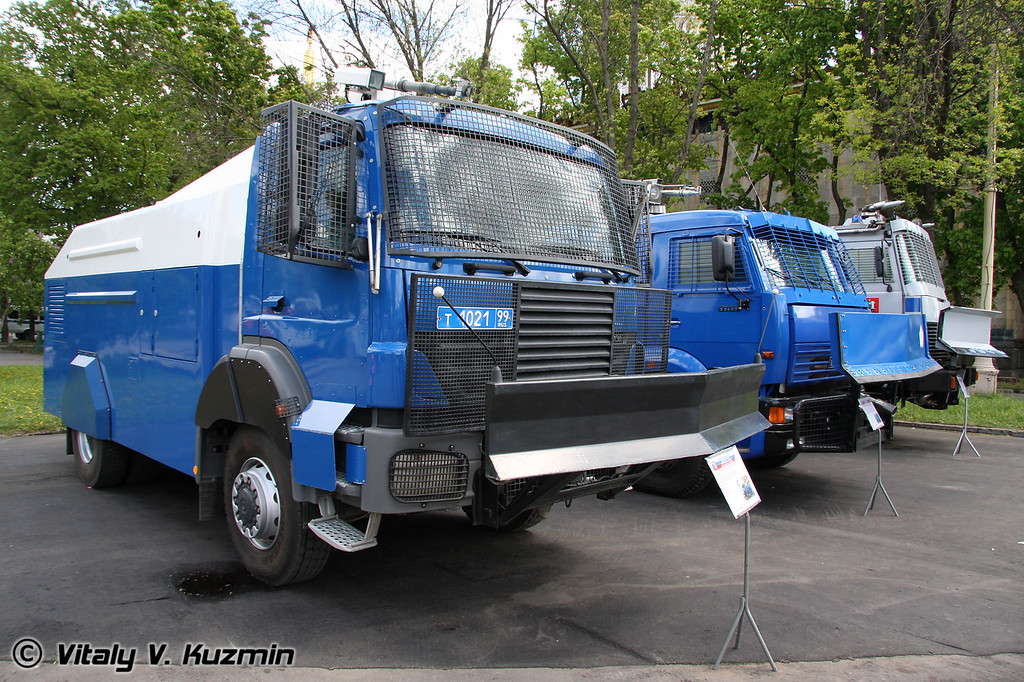 Спецавтомобиль RCU 6000-1RU на шасси MB 1828 Axor (RCU 6000-1RU riot control vehicle)