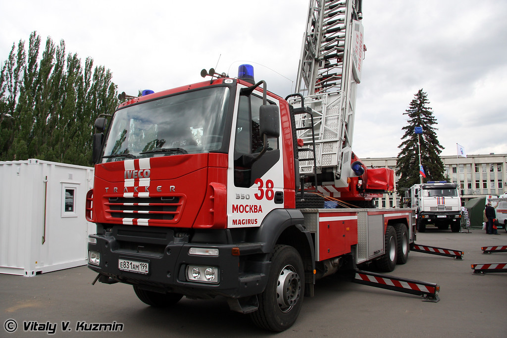 Автолестница пожарная на шасси IVECO (Fire ladder on IVECO chassis)
