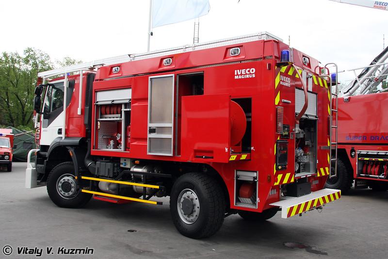 Автомобиль для тушения пожаров в туннелях TFFV на шасси IVECO 190 T36W (Fire truck for tunnels TFFV on IVECO 190 T36W chassis)