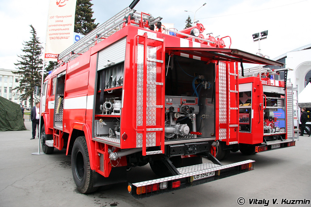 Автоцистерна пожарная АЦ-40 (43253)-247.02 на шасси КАМАЗ-43253 (Fire truck ATs-40 (43253)-247.02 on KAMAZ-43253 chassis)
