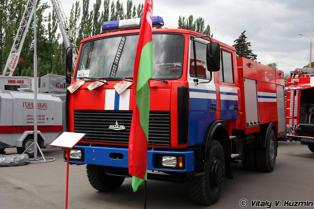 Автоцистерна пожарная АЦ 5,0-50-4 на шасси МАЗ-5337А2 (Fire truck ATs 5,0-50-4 on MAZ-5337A2 chassis)